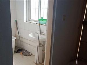 豪门庄园3室2厅2卫90万元
