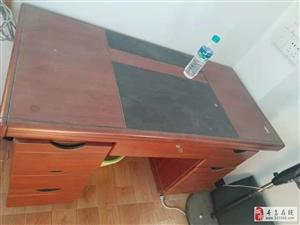工程完工,办公家具低价出售