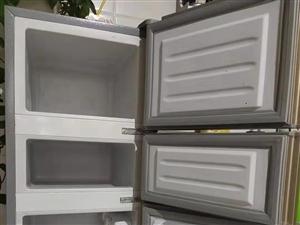 出售迷你小冰箱,小三层,方便