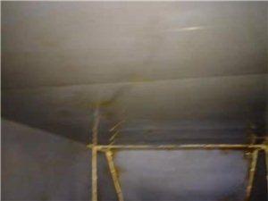西安雁塔区泰华金贸国际大型油烟管道清洗现场
