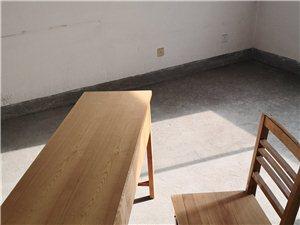 �n桌及椅子�商�