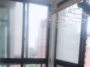 新东方世纪城3室2厅1卫1500元/月精装修家具家电齐全拎包入住
