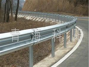 高速路鄉村熱鍍鋅三波雙波防撞防護戶外隔離波形護欄板