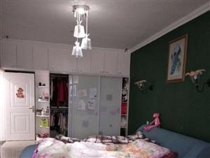 临泉金禾小区精装5楼+131.6大平方+证满2年过户费低房东急售