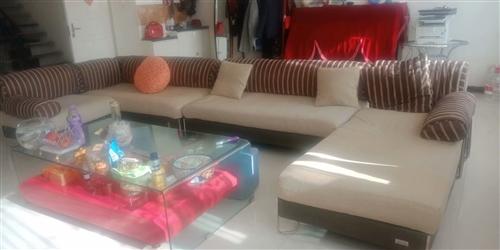沙发1.6*0.8*0.4三组,0.8*0.8*0.4一组,共计四组;一米宽小床一张,规格2.05*...