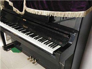 出售:八成新钢琴
