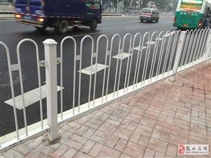 深圳n型京式護欄道路防跨越隔離欄_市政圍欄生產安裝