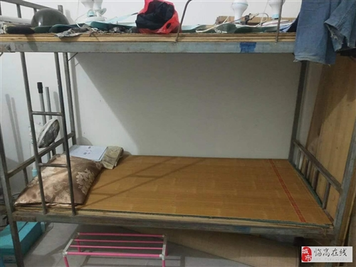 出售一批焊接闲置学生上下铺床还有板