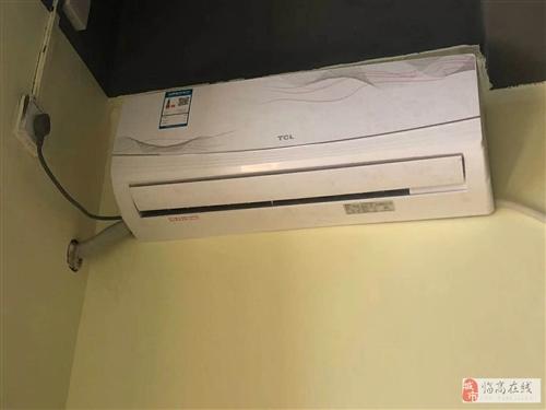 两个空调转让 挂壁式大1.5匹 大3匹冷暖空调