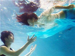 柳岩黄灿盛水下婚纱照示范