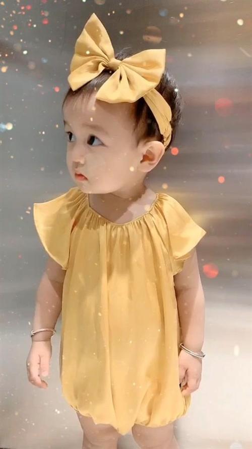 怀孕的时候一直以为自己怀的儿子,结果生出来是女儿,只是越长越像儿子????#可盐可甜@抖音小助手#萌娃
