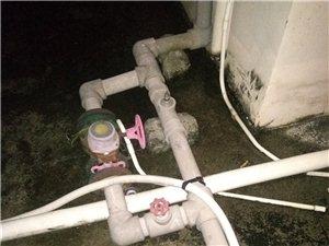 楼顶抽水增々压泵每天大声呼呼呼,严重影响休息时间