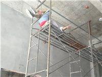 TCC小区大门旁门面房,装修工人触电倒下!