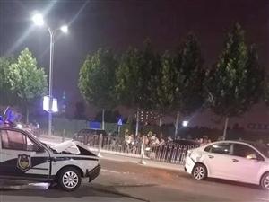车祸现场,警车被私?#39029;?#25758;