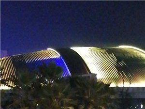 体育馆的夜景