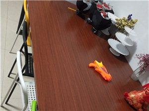 诚意出售办公桌350,99新买来太大不适合房间自提便宜啦