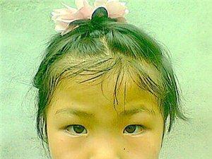 肖倩依.7�q漂亮小女孩�S拍