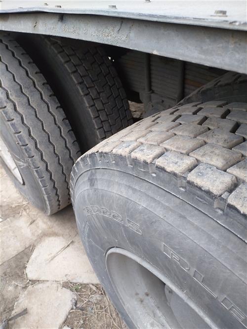 危險品車14年12月東風天龍420半掛油罐車