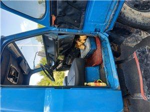 出售东风尖头6105自卸车