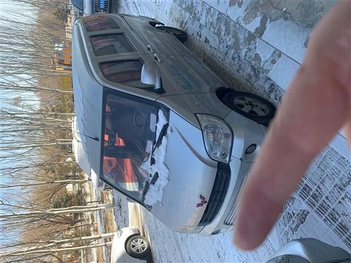 五菱荣光面包车