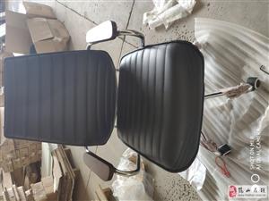 剛組裝的椅子