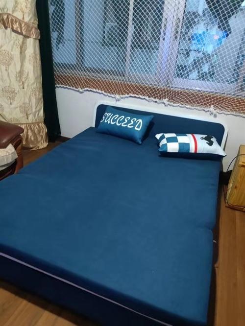 儋州那大95新折叠沙发600元,自提
