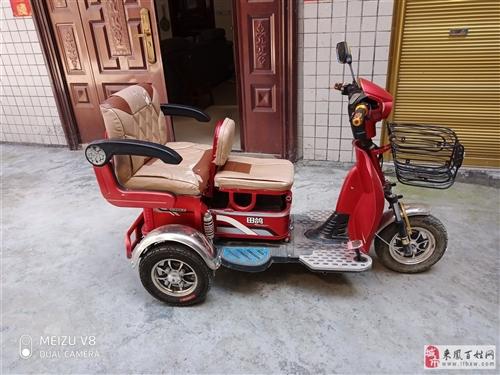 出售电动三轮车  刚买了一年  车很新   充次电可以开三四天   车子良好   没得问题   外婆...