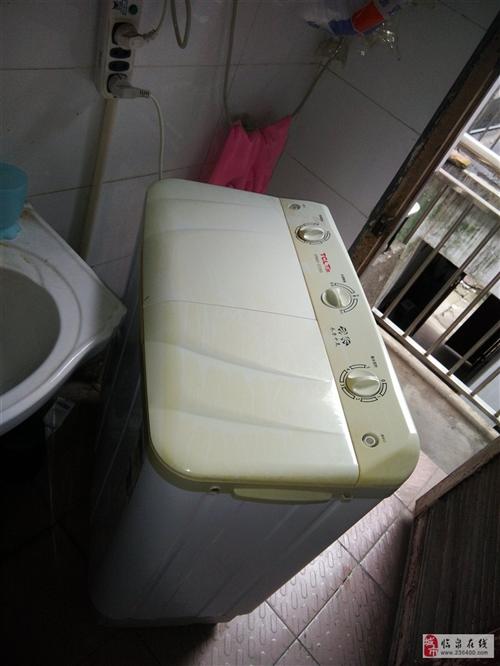 急!急!急!因搬家,紧急出售自用的:洗衣机,冰箱,热水器,有需要的可以联系:18733523885