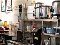 奶茶店所有设备,两台冰淇淋机,一台冰柜,开水机,果糖机,制冰机,还有很多小设备,刚买一个多月,我买的...