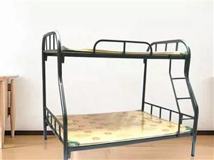 圖上的上下床,去年買的,一模一樣,鐵的。包送到樓下。