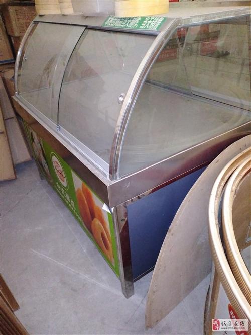 展示柜1.2米*0.9米,可以售卖卤菜面点等