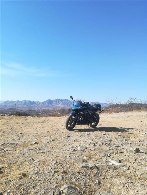 新世纪250cc趴赛,跑了三千多公里了,外壳有剐蹭,但是问题不大,个人一手车17年底入手的,四千左右...