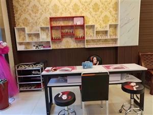 现有两张美容床,汗蒸床,足浴床,塑型精雕仪器两台,艾灸仪两台,全部9.5成新,美甲全套用品,美容院养...