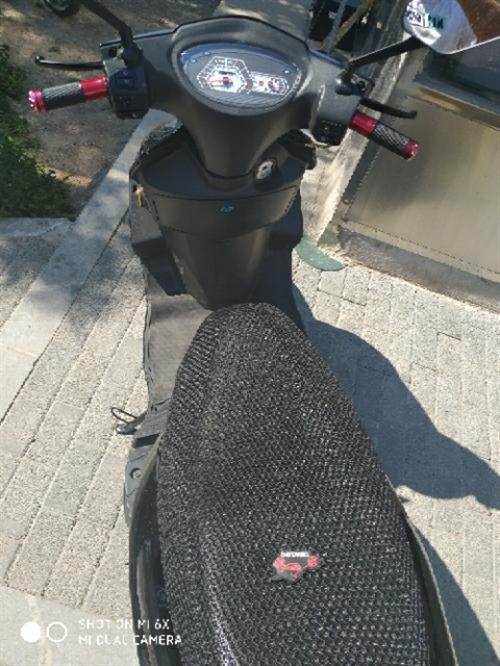 踏板摩托車,125發動機,合格證上標48是給交警看的,100塊錢油能跑500多公里,不要被舊思想陳觀...
