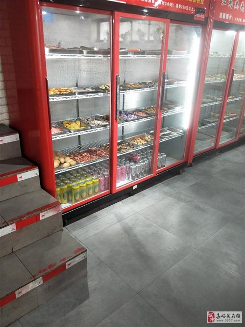 冷藏展示柜三开门,用了半年多,可卖,可换,想换一个只有冷冻的冰柜。或者低价转卖。需要请打电话。