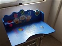 陪讀結束,兒童課桌,折疊床,折疊桌子,簡易床(2張)合計500元,欲購從速