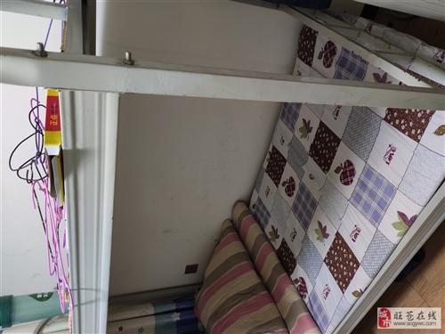铁床5套,厚床板,质量很好。处理价100元一套,含配件。学生桌凳30套,含配件处理价60元一套。白板...