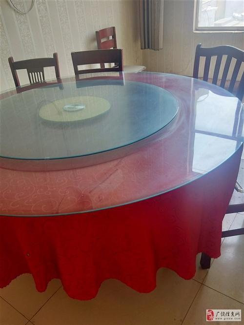 低价处理饭店圆桌,九成新,非诚勿扰