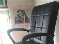 办公椅,转椅,新椅子,买后坐了几次,现低价出售!80元。13904377085