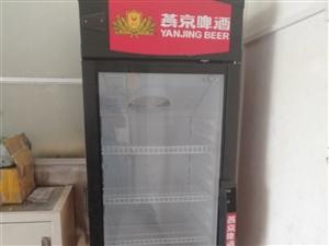 低价出售冰柜一台,九层新,性能良好,非常适合各大小超市、饭店或便利店使用。联系电话:15967883...