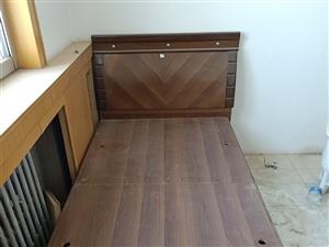 1米宽的床如图,四面可以打开放东西,有两张,一张50元,有意者联系我13321261445