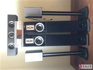 主音箱2個,環繞2個,中置1個,功放1個,連接線1套(原裝),送(DTS)CD若干。