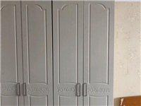 九成新衣柜低价出售。