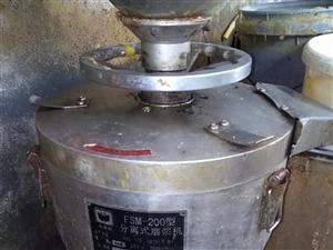 出售200型磨浆机   1.2米炸锅有意者面议