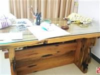 船木书桌 1.8*1.2米,稀缺资源,因搬家甩卖,价格8800元,有意者联系13098983616,...