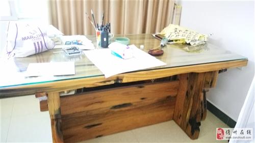 船木书桌 1.8*1.2米,稀缺资源,因搬家要不是自己甩卖,价格8800元,有意者〗联系13098983616,...