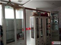 有饰品柜,酒柜转让,价格700至1200元.联系方式:13870729802