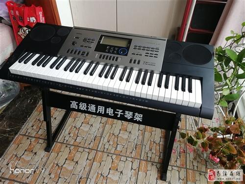 考级用电子琴,去年2000元买的,用了一年,转钢琴喽,所以要处理。9成新吧,有意愿的朋友可联系我,电...
