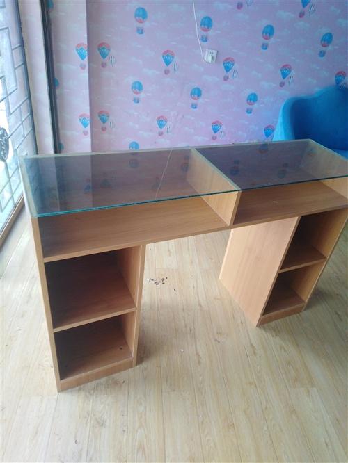 全新桌,做好后不太适合自己。材料好,成本一千二百多。