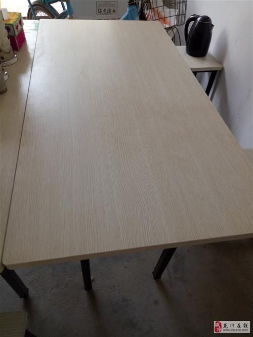 本人有2套早餐桌规格:120×60带4凳子,米黄色如上图,一套不锈钢蒸笼,因为转型不做早点了,现低价...